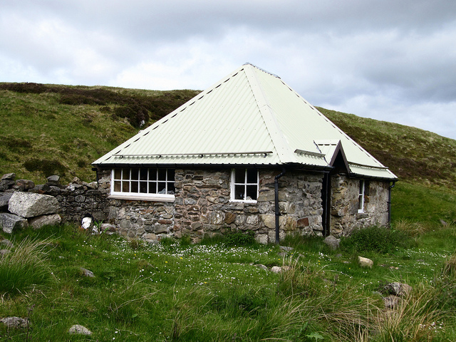 Blackburn Bothy - photo Kevin Campbell