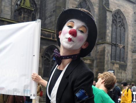 clown crop